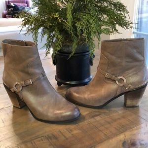 Vince Camuto Tan Leather Boots